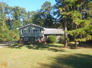 8135 Lake View Ter , Riverdale GA