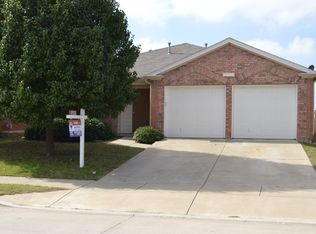 1708 White Feather Ln , Fort Worth TX