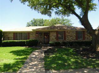8335 Freeport Dr , Dallas TX