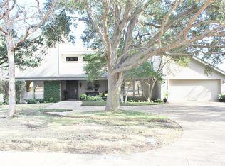 4424 Village Oak Dr , Waco TX