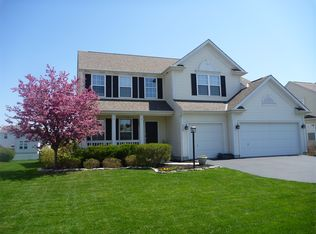 512 Mill Wind Dr, Westerville, OH 43082