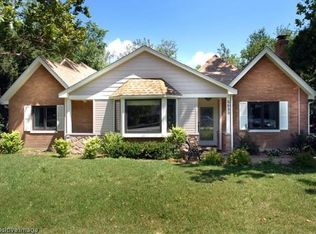 5633 Willow Springs Rd, Countryside, IL 60525