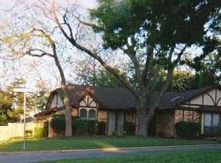 2201 Shady Meadow Ct , Arlington TX