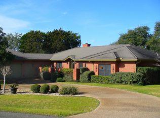 101 Clubhouse Dr , Lakeway TX