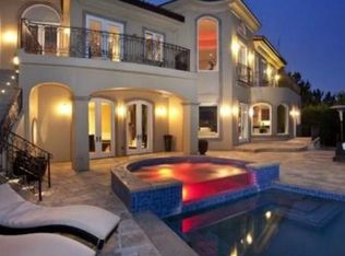 9914 Shangri La Dr, Beverly Hills, CA 90210