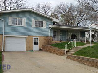 3521 Court St , Sioux City IA