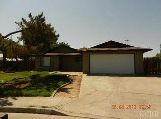 1273 Van Ct , Hanford CA