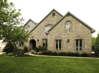 691 Southbluff Dr, Westerville, OH 43082