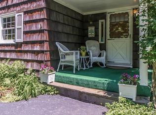 35 Round Hill Dr , Briarcliff Manor NY