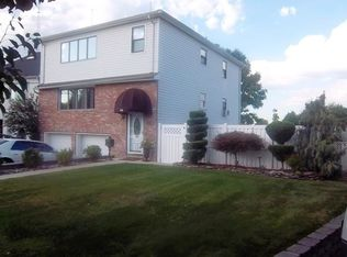 25 Valley Ct , Secaucus NJ