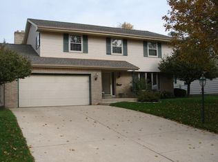 (undisclosed Address), South Milwaukee, WI 53172
