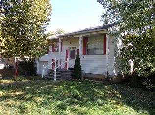 704 Trenton Rd , Fairless Hills PA