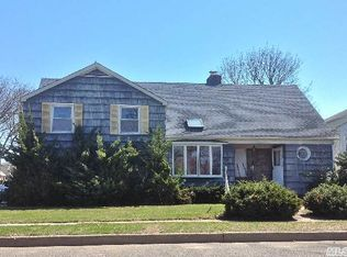 125 Raff Ave , Floral Park NY