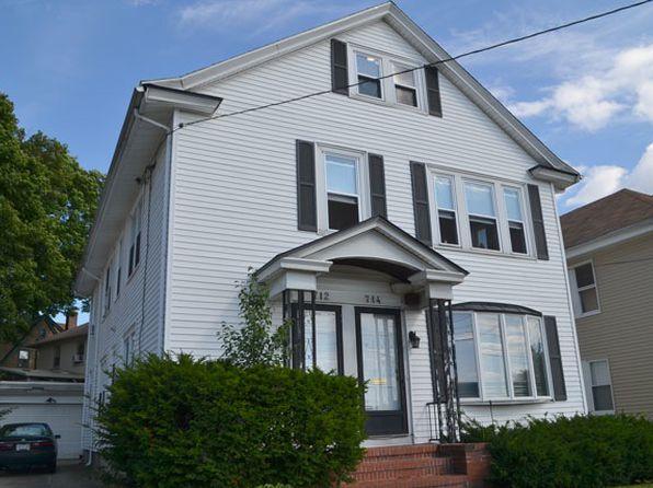 714 East Ave # 1, Pawtucket, RI