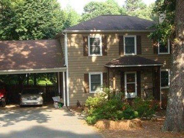 216 Gatewood Ln, Matthews, NC