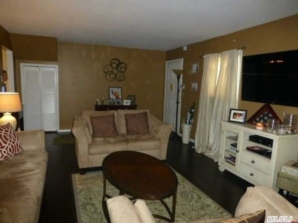 2060 Lakeview Rd APT A, Bellmore, NY