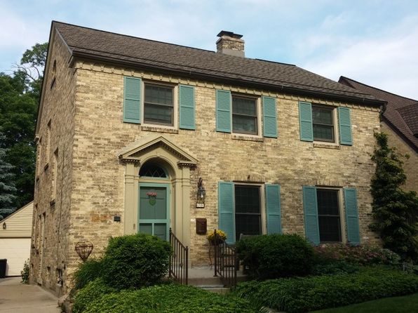 4780 N Newhall St, Whitefish Bay, WI