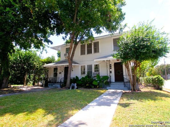 300 Queen Anne Ct, San Antonio, TX