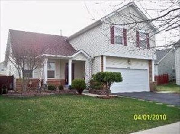 255 Claridge Cir, Bolingbrook, IL