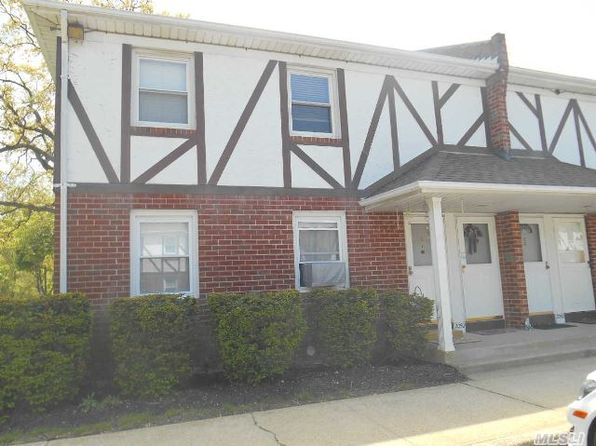 2050 Lakeview Rd APT A, Bellmore, NY