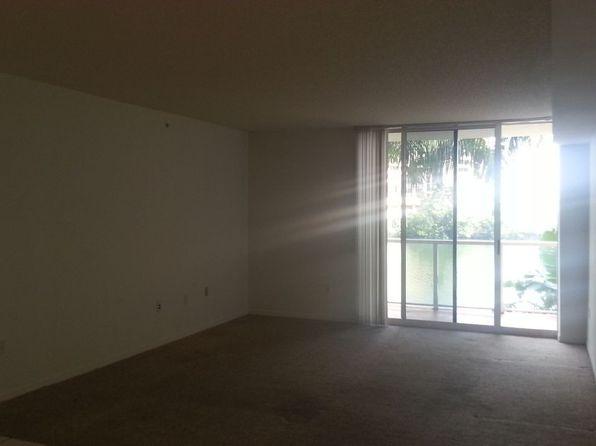 5099 NW 7th St APT 301, Miami, FL