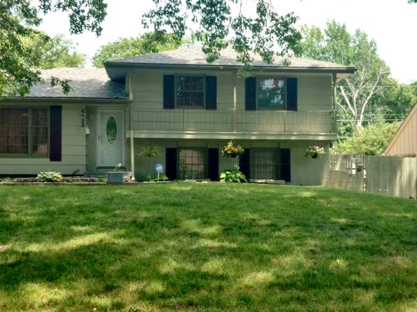 On level 64030 real estate 64030 homes for sale zillow for 35 grandview terrace tenafly