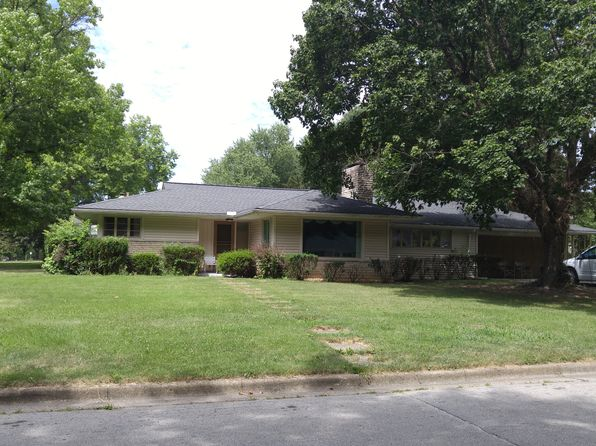 Clintonville ranch columbus real estate columbus oh for Ranch home builders ohio