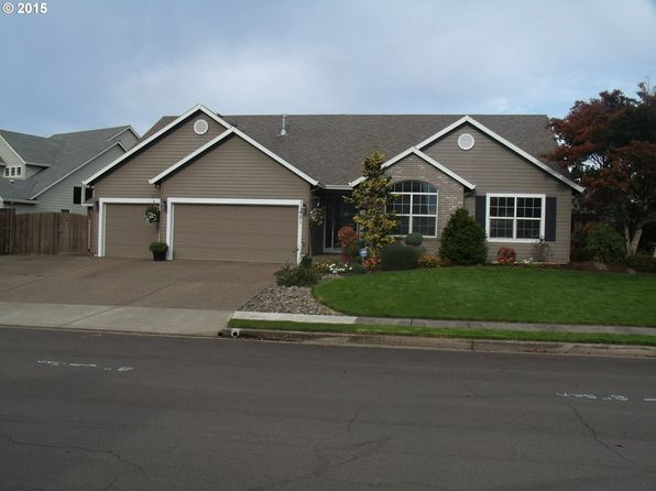 11621 Hazelnut Ct, Oregon City, OR