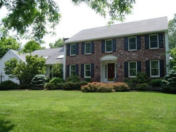 1 Donnelly Dr, Medfield, MA