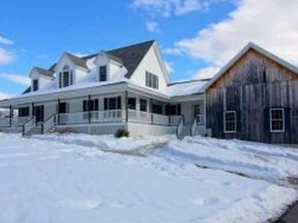 2 Forest Dr, East Kingston, NH