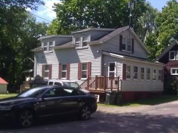 13 Russell St, Amesbury, MA