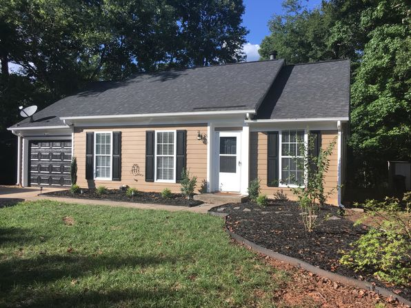 Fort Mill Sc Waterfront Homes For Sale 19 Homes Zillow