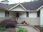 10133 Echo Hill Dr, Cleveland, OH