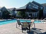 2000 Farmington Lakes Dr, Oswego, IL