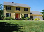 1 Rosewood Dr, Lincoln, RI