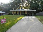 411 Pleasant Valley Dr, Vicksburg, MS