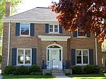 4765 N Bartlett Dr., Whitefish Bay, WI