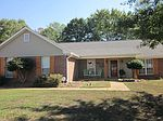919 Mountain Crest Dr, Byram, MS