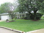 401 N Park Forest Dr, Robinson, IL