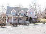 153 Town Center Dr, Warren, NJ