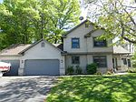 2440 Tevlin Ct E, Maplewood, MN