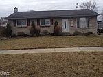 22747 W Maplelawn Ave, Taylor, MI