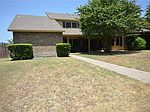 9717 Summerwood Cir, Dallas, TX