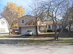 1057 S Fairview Ave, Lombard, IL