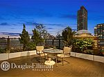 135 W 70th St, New York, NY