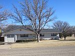 1800 Ennis Street, Plainview, TX