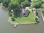 6356 Lakeshore Rd, Winneconne, WI