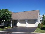249 Village Heights Dr, State College, PA