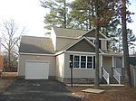 128 Lakeside Dr , Colonial Heights, VA 23834