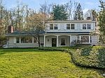 210 Rivergate Dr, Wilton, CT
